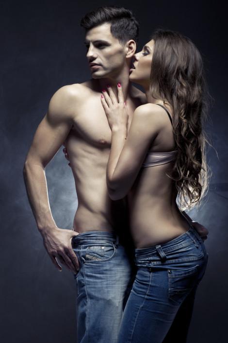 Jak męskie feromony wpływają na kobietę